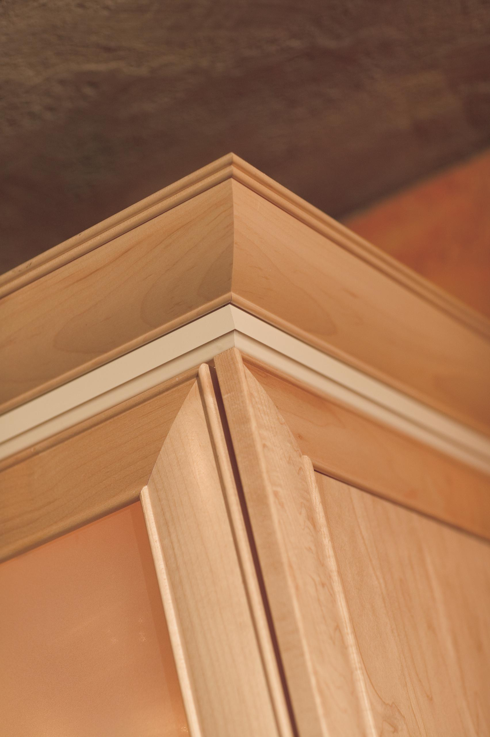 Crown Molding Schuler Cabinetry At Lowes